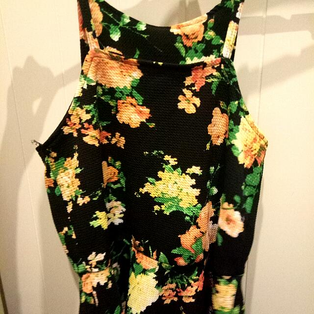 Floral Singlet With Flared Waist
