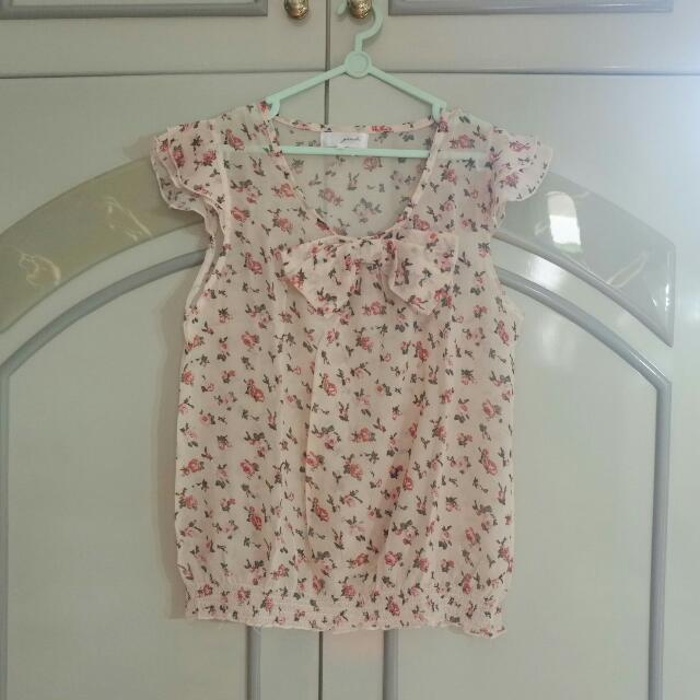 Gaudi Ribbon Floral Top