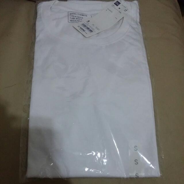 Gu 白色,彩藍,淺藍圓領底衫 S Size , 每件 $20