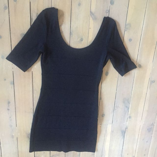 H&M Fitted Scoop Neck And Low Back Black Dress