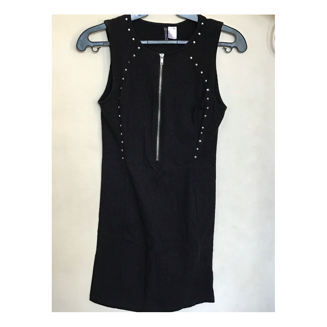 H&M Form-fitting Black Studded Dress in cotton, w/ front zipper