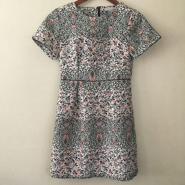 H&M Printed Jacquard Dress