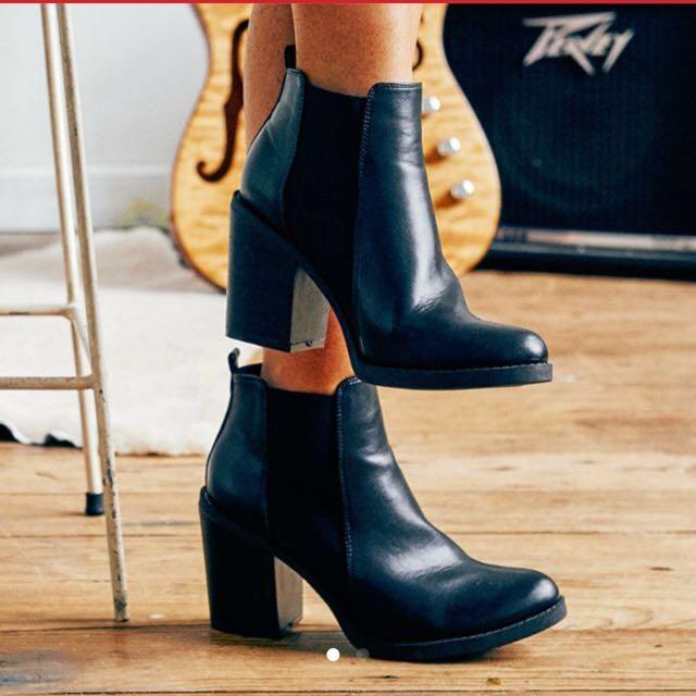 Jonnie Teagan Heeled Boots