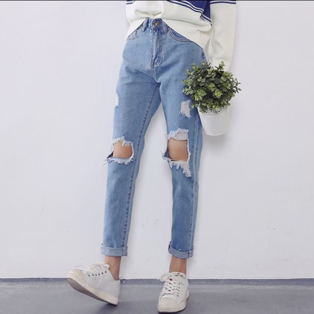 light ripped denim boyfriend jeans tumblr womens fashion