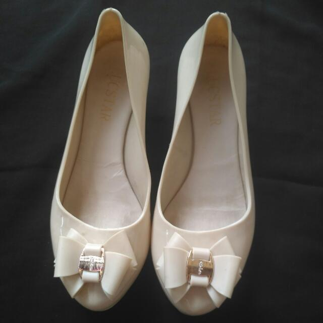 Nude Ribbon Jelly Wedges