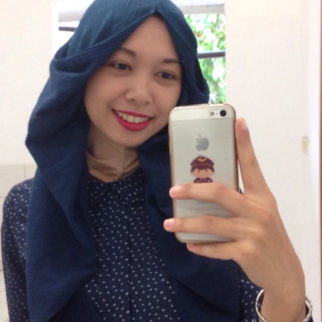 Original Hana Tajima X Uniqlo Shawl Navy