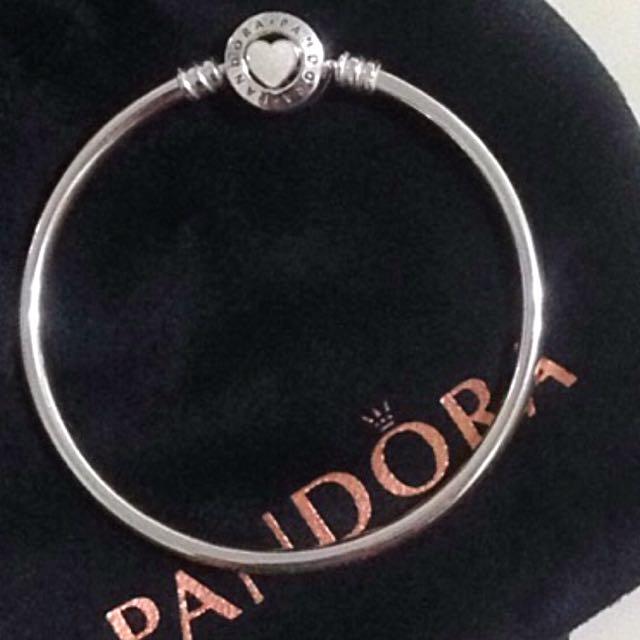 Pandora 硬式手環
