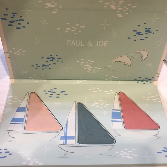 Paul & Joe帆船渡假眼頰盤003