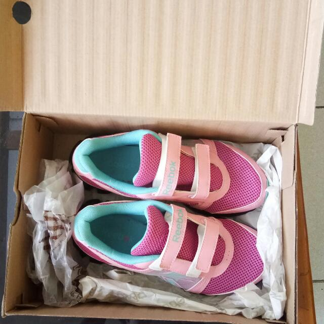 Sepatu Reebok Ukuran 38 Original 100%