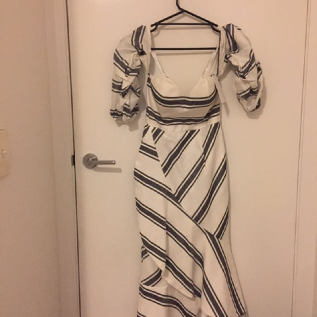 Sheike Capri Style dress