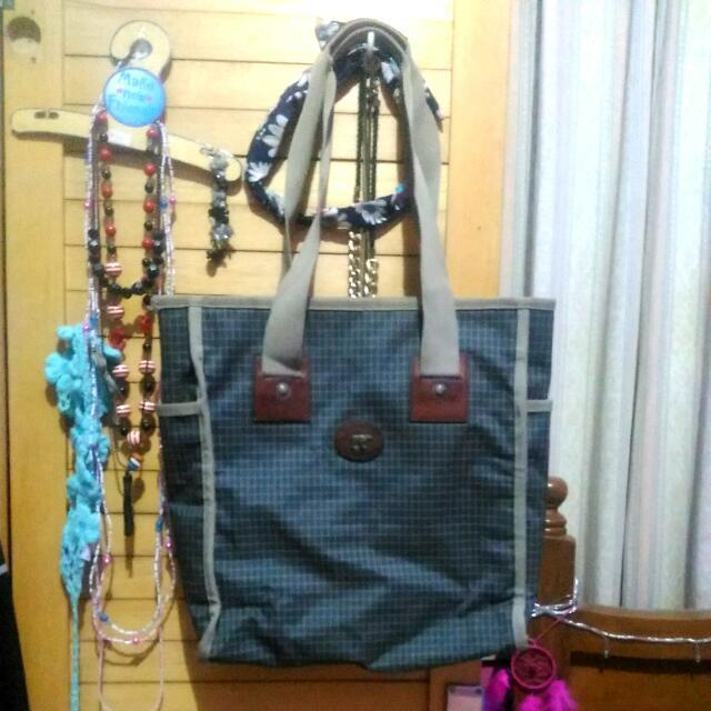 #tisgratis Square Bag