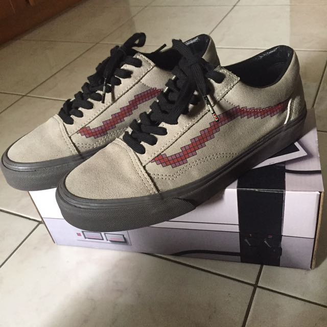 acc9c729381be9 UPDATE PRICE) Vans Old skool X Nintendo Console