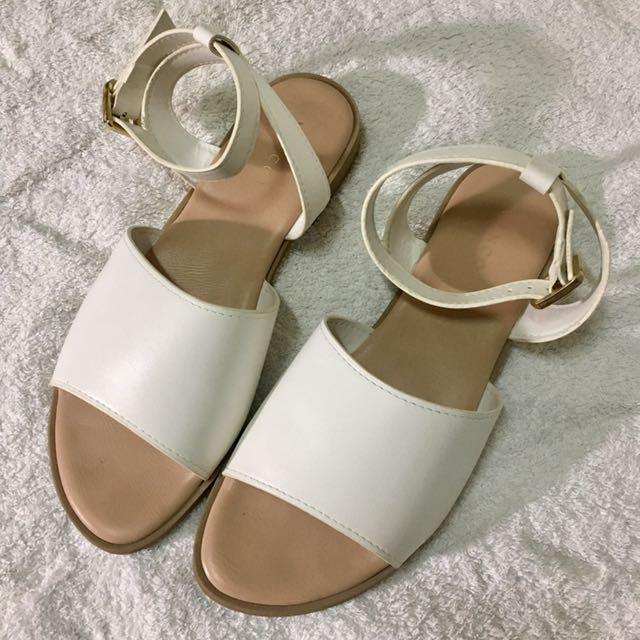 vincci白色繞踝涼鞋