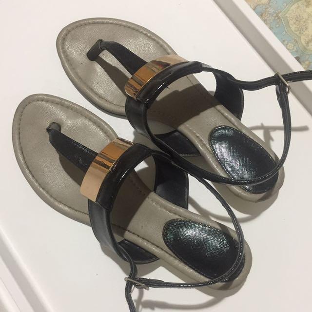 Vincci Black Sandal Sz 39