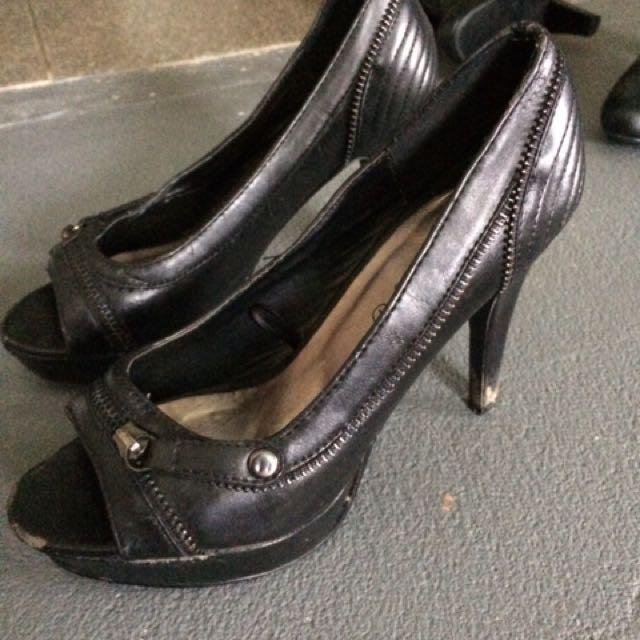 Zip Heels
