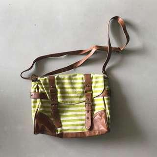 Aeropostle Messenger Bag