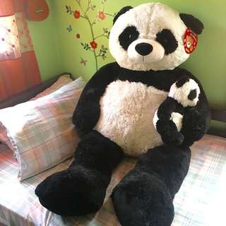 Giant Panda Bear w/ Baby