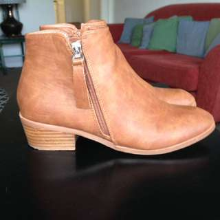 Spurr Tan Ankle Boot