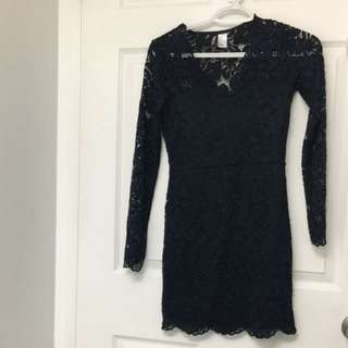 H and M navy lace mini dreas