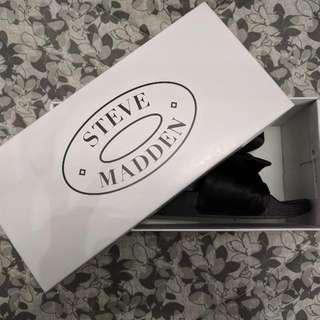 Steve Madden Slides Size 6