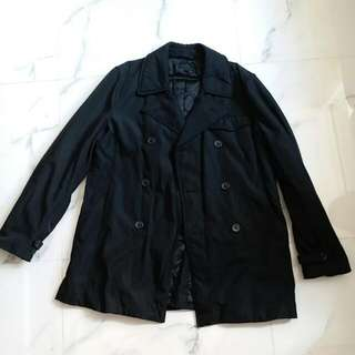G2000男裝黑色XL碼孖襟外套。 99%新 靚料,夾薄綿。 只在買時穿過,牌已剪掉。 還價即成