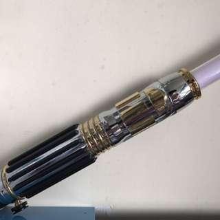 二手8成新 星球大戰 Windu大師 紫色Lightsaber 燈光聲音冇問題,只是長期擺放 (冇盒)