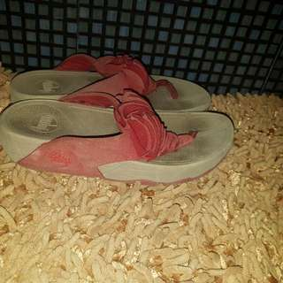 fitflops color red