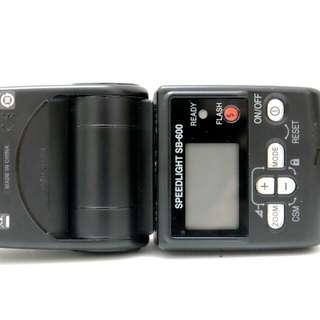 Nikon Speedlight SB-600.