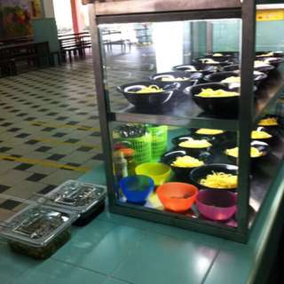Solid Stainless Steel Food Display Cabinet With Led Light suitable for Canteen or Foodstalls.