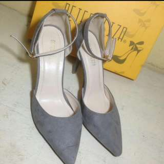 High Heels Peter Keiza Original