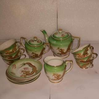 Vintage Green Teapots set With Dragon Picture (Waraku China)