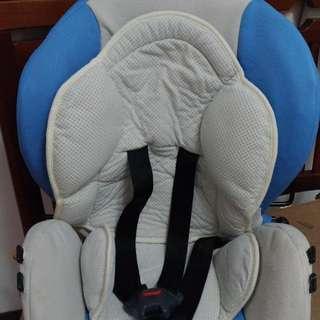八成新的安全座椅~
