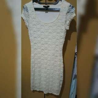 [QUICK SALE] Dress Brukat Putih Merek H & M