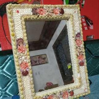 Shelled Mirror