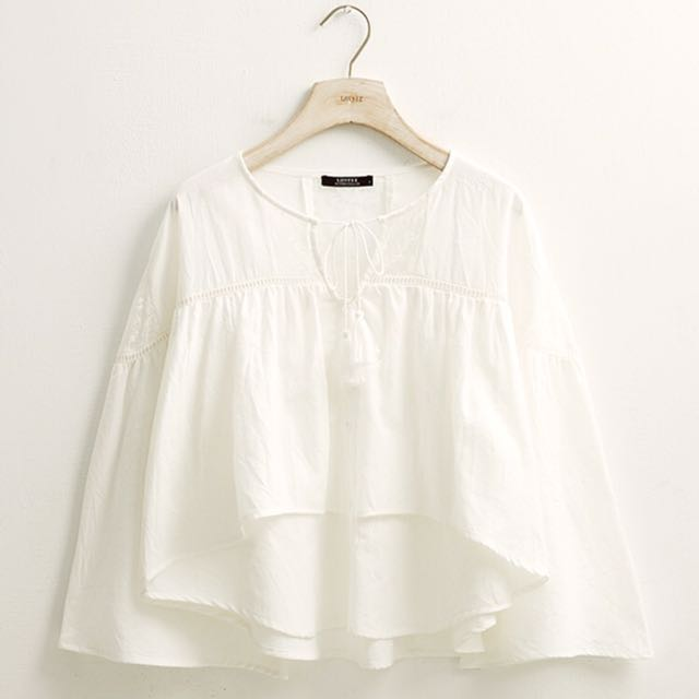 日系輕甜蕾絲拼接上衣