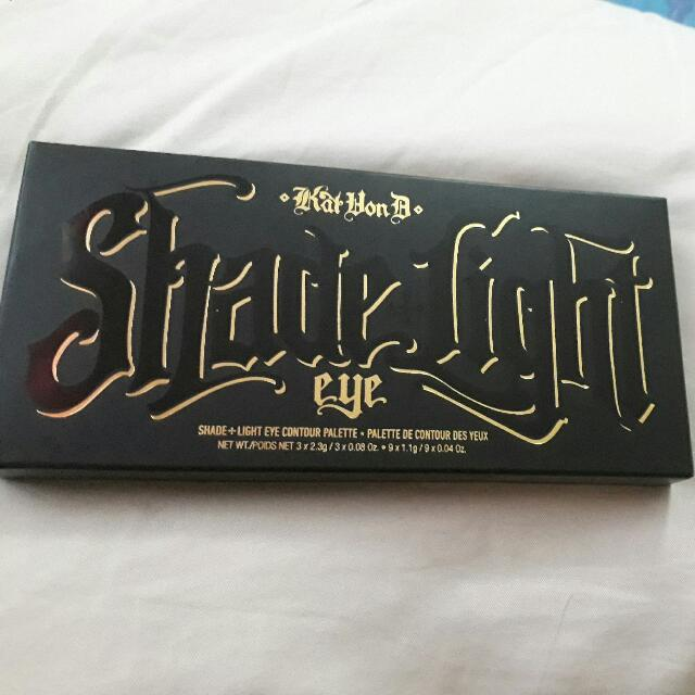 Authentic Kat Von D Shade+Light Eye Contour Palette