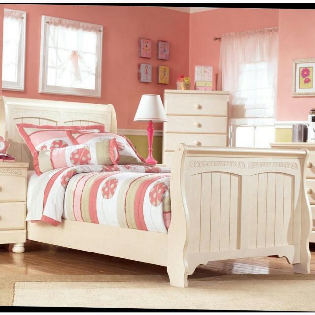 Bed Furniture Set (Made By Order) 1 Bulan