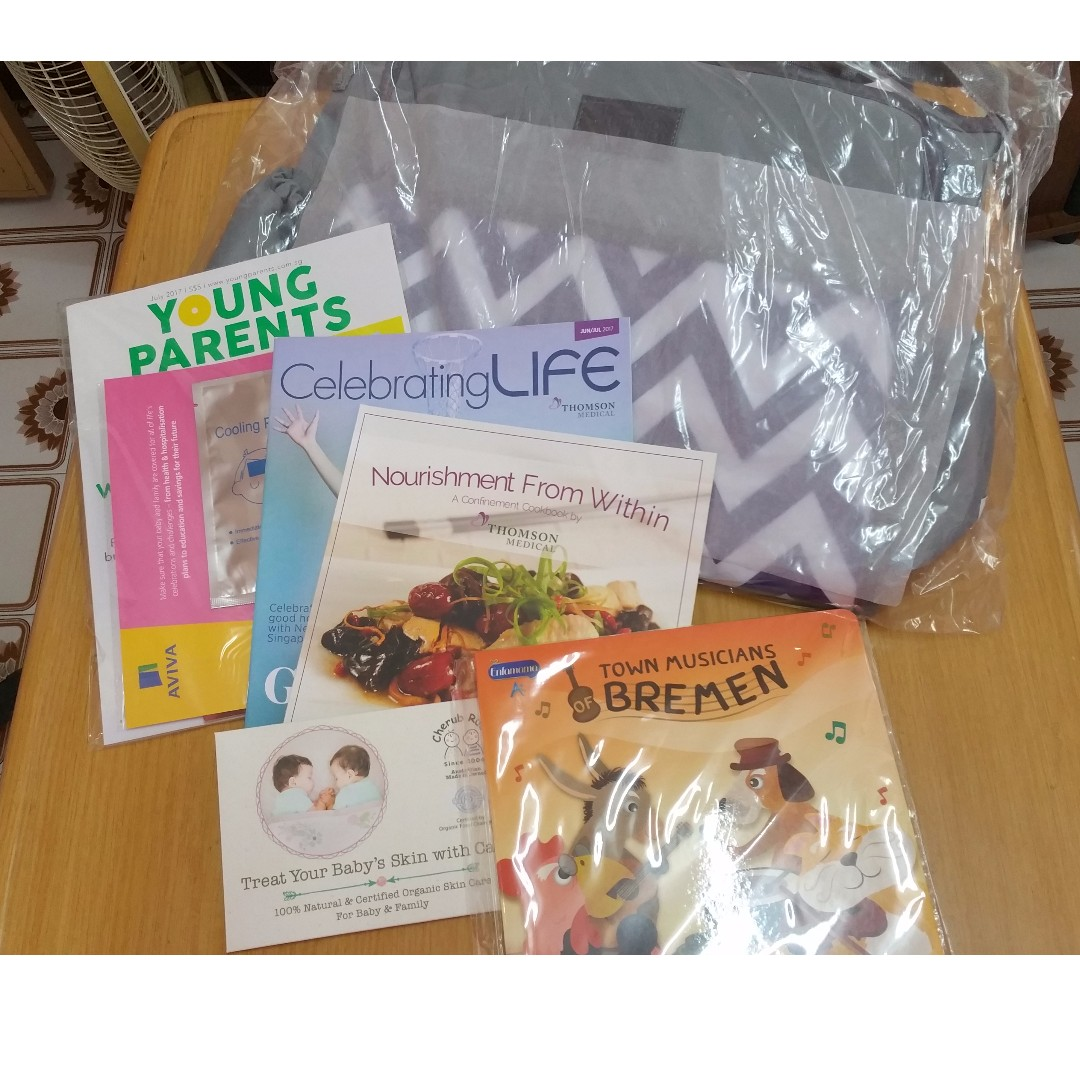 Bnib thomson baby diaper bag bundle gift set includes story book photo photo forumfinder Choice Image