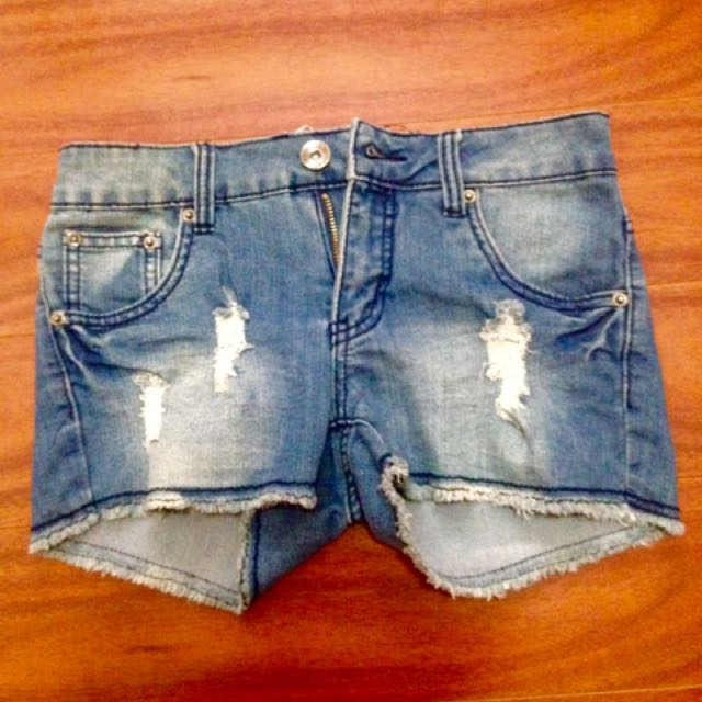 Denim Short size 5