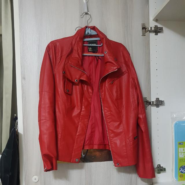 Et Boite 皮外套