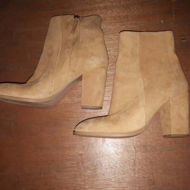 H&M High Cut Boots (size 9)