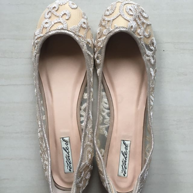 Ittaherl Flat Shoes Gold Color - Sz 38 NEW