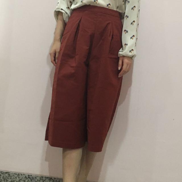 Love Bonito maroon pants size 4