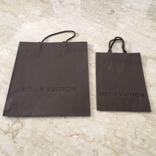 9d779ba7e03f LV Louis Vuitton Paris Paper Bag. Big 32x8x37cm. Small 20x6x28cm ...