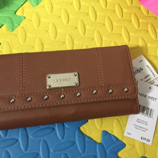 nine west brown wallet