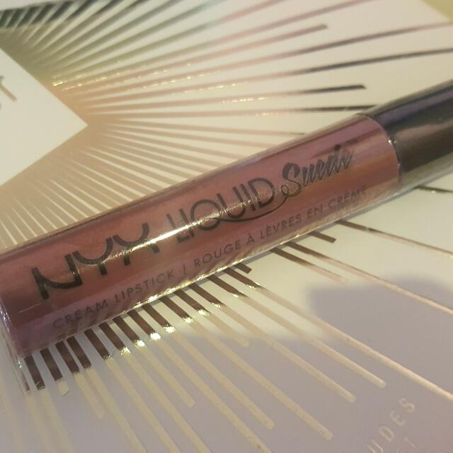 Nyx Suede Liquid Lipstick In Tea And Cookie Shade