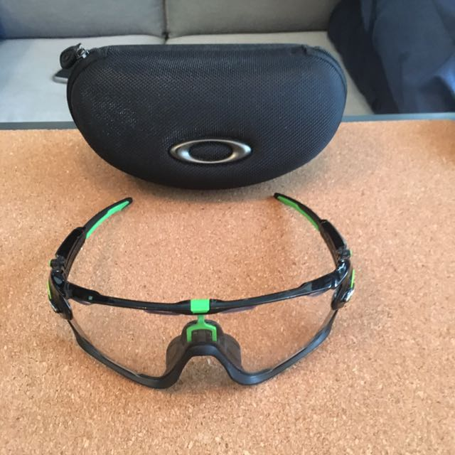 396ecc1ba2 Oakley Mark Cavendish Edition Jawbreaker Sunglasses