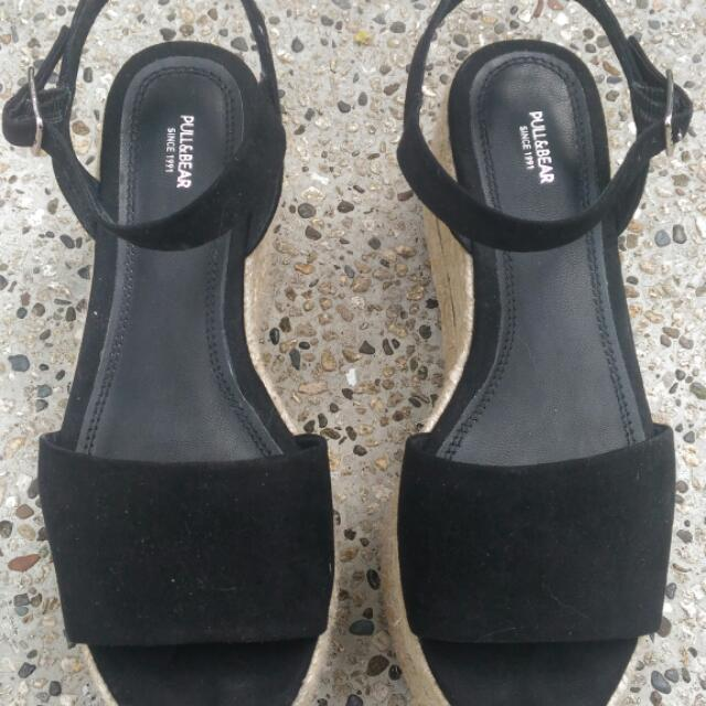 83b288e7b98 Pull And Bear Platform Sandals