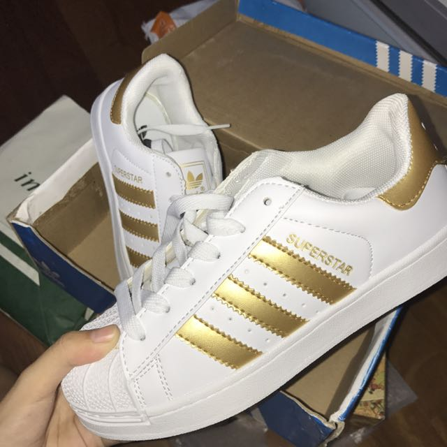 4296d5b7 READY STOCK ADIDAS SUPERSTAR, Women's Fashion, Shoes on Carousell