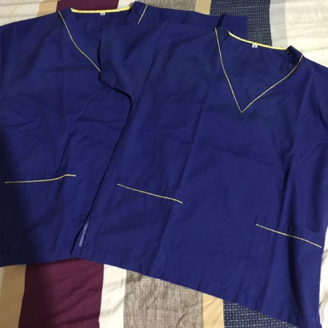 Scrubs (top)
